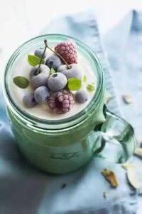 yogurt-berries